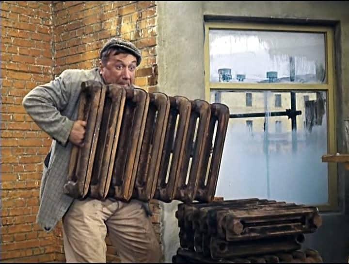 chugunnyiy radiator ochen tyajelyiy - Вывоз батарей в Петербурге и Ленинградской области