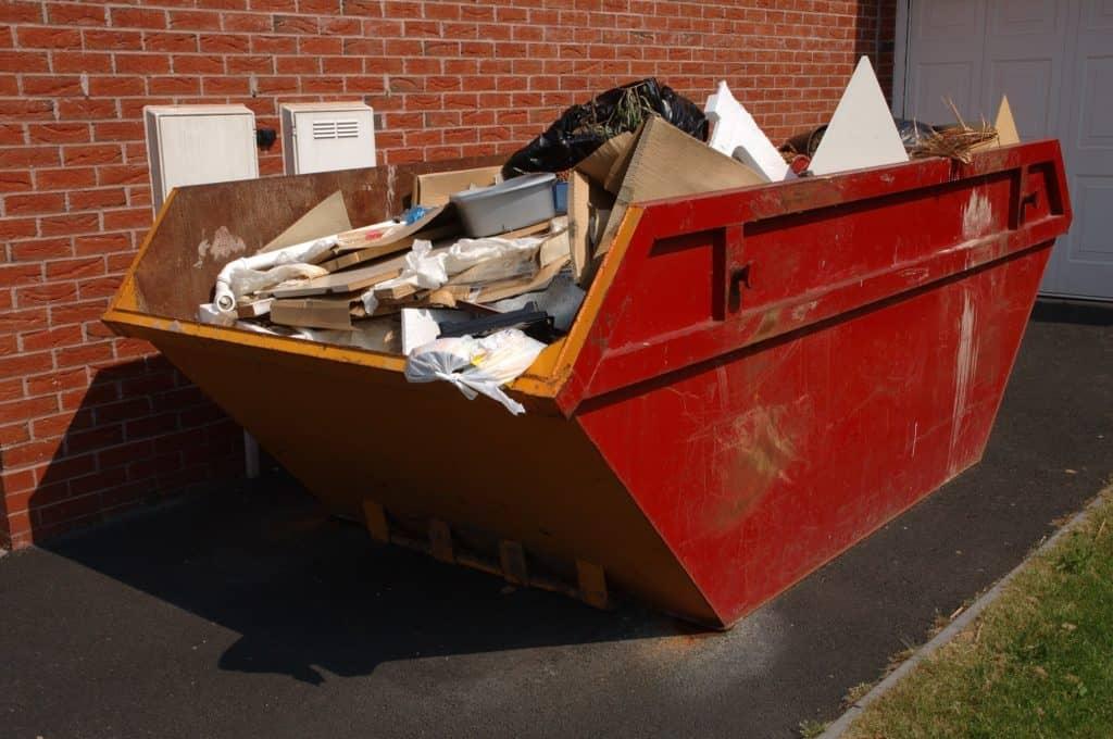 uslugi vyvoza musora konteynerom 2 1024x680 - Вывоз мусора контейнером